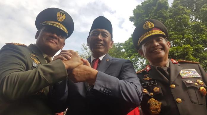 [Video] Ada Apa Dibalik Salam Komando Gatot, Wiranto, dan Tito?