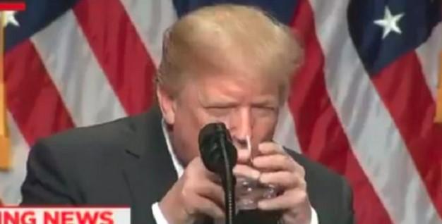 Gelagatnya 'Aneh' saat Pidato soal Israel, Donald Trump Terkena Penyakit ini?