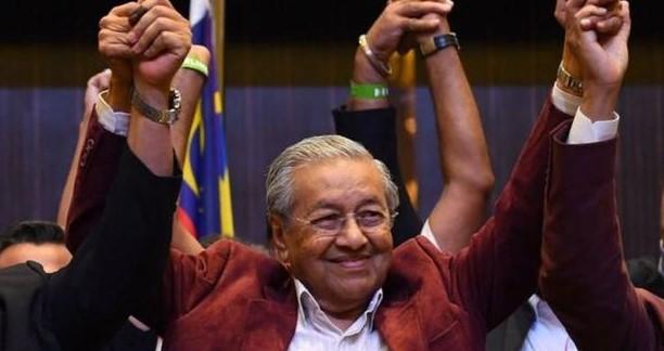 Tak Mau Nasib Malaysia Seperti Sri Langka, Mahathir Akan Evaluasi Investor China