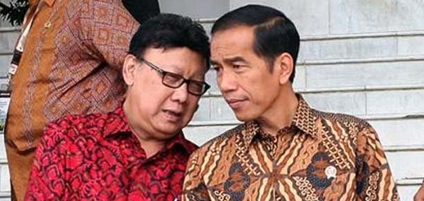 Ini Alasan Kenapa Presiden Jokowi Mesti Segera Pecat Tjahjo Kumolo