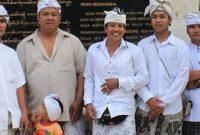 Deskripsi tentang Baju Safari Bali yang banyak di jual di online