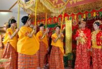 Info terkait pakaian yang gelembung baju Bodo Sulawesi Selatan