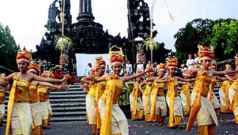 Ulasan dan Gambar Tari Rejang Asal Daerah Bali