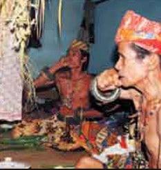 Tradisi-Adat-Dayak-Manyanggar