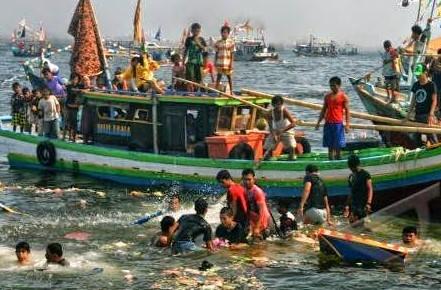 Tradisi-Pesta-Laut
